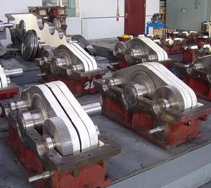 我公司生产QKH型三环减速机、YPKH型三环减速机、QXKH型三环减速机、MKH型三环减速机、LLKH型三环减速机、KHCPD型三环减速机、ZZKH型三环减速机、LKHZ型三环减速机、桩机专业三环减速机、连铸机大包回转台用三环减速机、冶金设备用一级三环减速机、圆盘给料机用三环减速机、烧结机用三环减速机、卷扬机三环减速机、起重机用三环减速机、派生型双三环二级传动三环减速机、桩孔钻机用三环减速机、钢包回转台用三环减速机、连续铸钢拉矫机传动用三环减速机、起重机用三环减速机、水泥磨慢速驱动用三环减速机等各种型号的三环减速机。我公司生产的三环减速机规格齐全、传动比大(传动比从21到9801的三环减速机均可生产)、轴伸形式多、结构合理、精工制造、传动高效、坚固耐用,欢迎各地三环减速机新老用户来人来电光临惠顾!我公司生产的三环减速机基本均可替换其他三环减速机生产厂家的产品类型,我公司拥有专业三环减速机技术研发团队,可以针对各种行业不同的传动特点和载荷特点设计生产专用的三环减速机,欢迎来人来电洽谈惠顾!