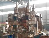 装配中的万能轧机机组,我公司生产各种轧钢机械,常年生产有各种轧钢生产线、热轧带钢生产线、棒材生产线、万能轧机机组、短应力轧机机组、H型钢轧钢机械、中宽带钢轧钢机械、高刚度轧机、轧机辊系、轧机辊道、轧钢机械减速机、螺旋伞齿轮减速机、炉门卷扬机、轧钢机械锁紧装置、各种大型联轴器、轧钢机械轴承座等轧钢机械、轧钢设备、冶金备件、配件。轧钢机械厂家科汇重工机械制造有限公司生产的轧钢机械工艺先进,设计合理,节能高效,欢迎光临惠顾!我公司拥有专业轧钢机械设计、制造、调试等方面的高级工程师团队,可以独立设计、生产、安装、调试各种冶金设备、轧钢机械、各类轧钢生产线,热轧带钢生产线,热轧带钢轧机机组,各类轧钢机械辅机、轧钢机械配件等产品;并能够对钢铁厂的旧生产线予以改造、优化,以提高钢铁厂的生产产品的品位和产品精度。我公司已成功为邯郸钢铁集团、河北文丰钢铁、武安烘熔钢铁、新兴铸管2672工厂、天津铁厂、唐山国丰钢铁、唐山建龙钢铁、天津轧一制钢、天津荣程联合钢铁集团、天津天重中直科技工程有限公司、天津市中重科技工程有限公司、天津津重重型机械厂等二十多家企业生产各类设备及配套产品。欢迎各地轧钢厂等相关企业与我们联系洽谈各类合作事宜!